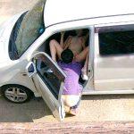 車内で密会不倫する人妻熟女の野外カーセックスエロ画像をご覧下さい。